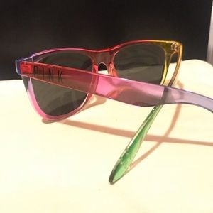 LIMITED VS PINK SUNGLASSES